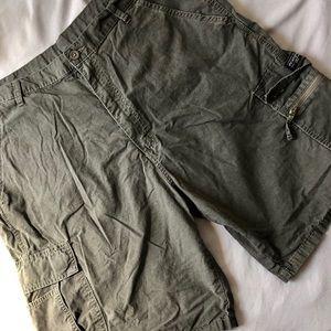 Wrangler Cargo Shorts 38 Khaki Green 100% Cotton